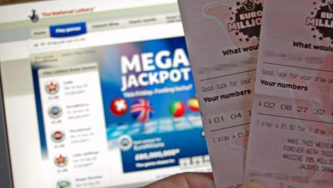 El francés ganador en febrero pasado de 72 millones de euros en la lotería europea Euromillones donará al menos unos 50 millones del premio a asociaciones caritativas.