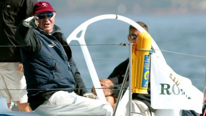 El yey Juan Carlos practicando vela.