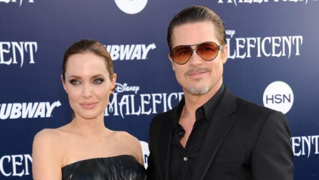Angelina Jolie y Brad Pitt, durante el estreno de Málefica en Los Ángeles.