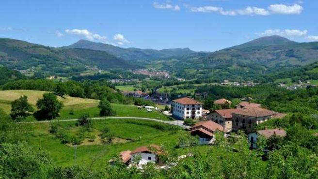 Vista del valle de Baztán desde la localidad de Ciga.