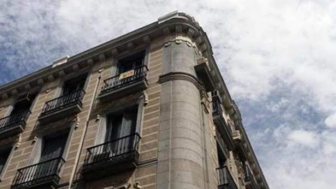 Fachada de un edificio ya centenario, en Madrid.
