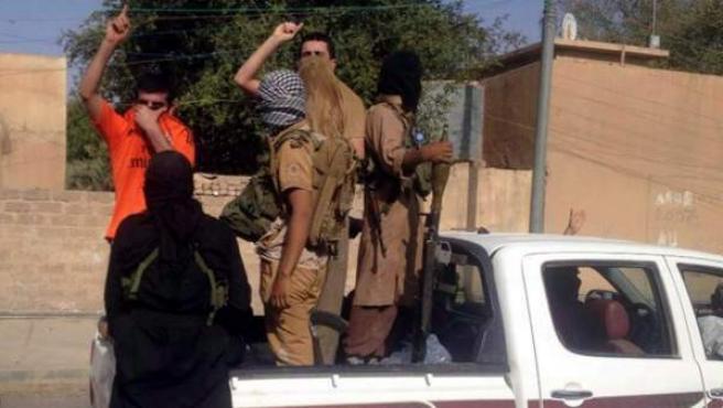 Insurgentes suníes encabezados por el Estado Islámico de Irak y el Levante (EIIL), a su entrada en Tikrit.