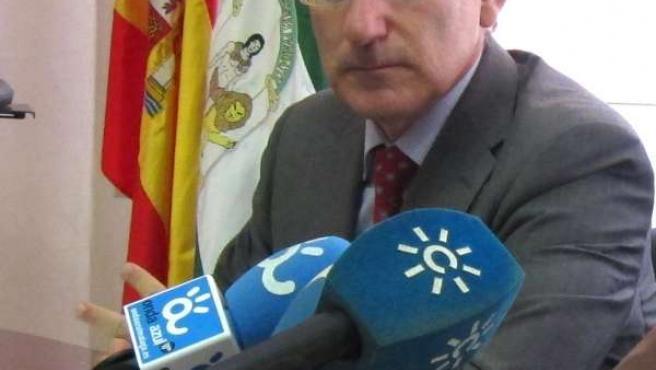 El presidente de la CEA Javier González de Lara