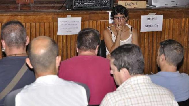 La eurodiputada de Podemos Teresa Rodríguez se reúne con ex de Delphi