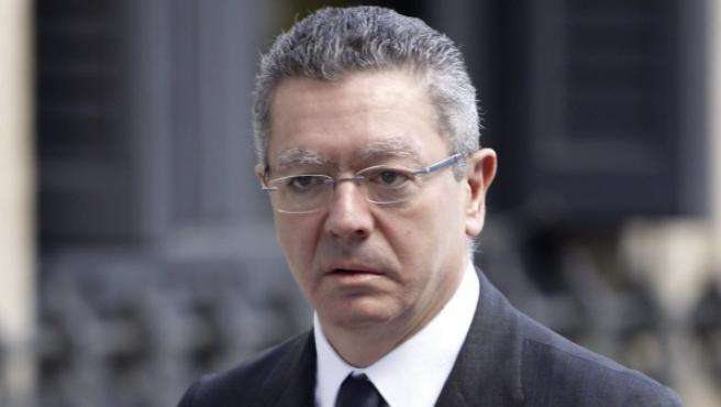 El ministro de Justicia, Alberto Ruiz Gallardón, a su llegada al Congreso