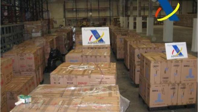 Aprehendidas 400.000 cajetillas de tabaco de contrabando.