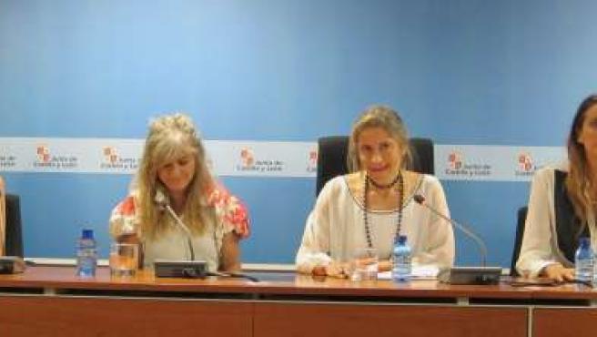 De izq. A drcha, Fely Campo, María Lafuente, Rosa Méndez y Estefanía Luyk