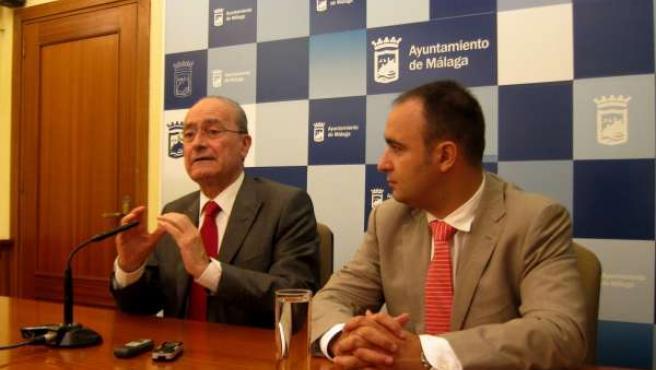El alcalde de Málaga, Francisco de la Torre, y Mario Cortés, poravoz del PP
