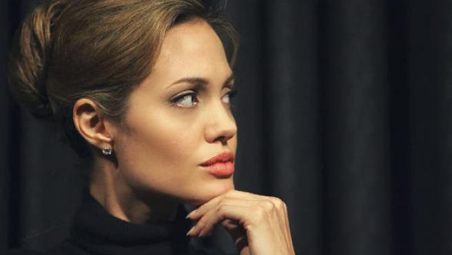 Angelina Jolie ya es dama del Imperio Británico