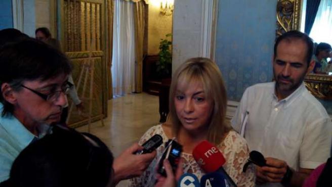 Castedo atiende a los medios en el Salón Azul del Ayuntamiento