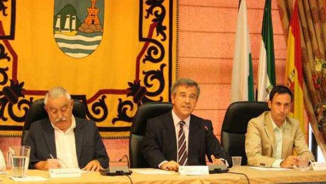 José María Garcia Urbano alcalde de estepona en un pleno