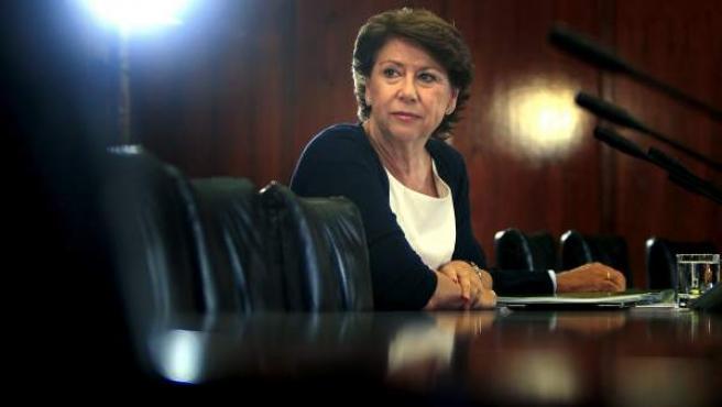 La exconsejera andaluza de Economía y Hacienda y actual vicepresidenta del Banco Europeo de Inversiones (BEI), Magdalena Álvarez, durante su comparecencia.