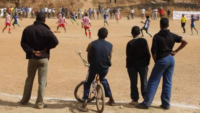 Imagen de un grupo de jóvenes en Sudáfrica.