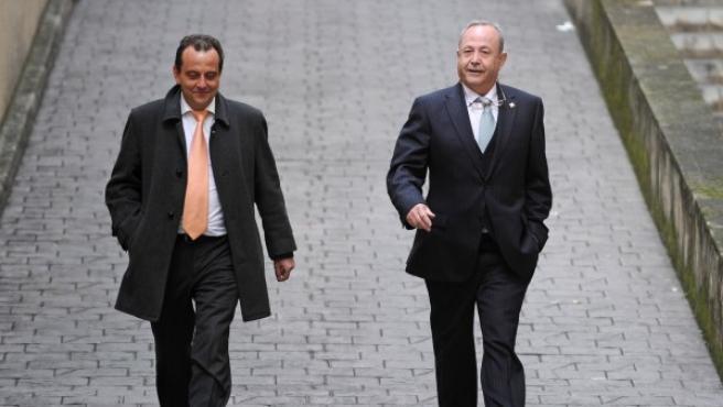 El fiscal anticorrupción de Baleares, Pedro Horrach (i) camina junto al juez instructor del 'Caso Nóos' José Castro en una imagen de archivo.