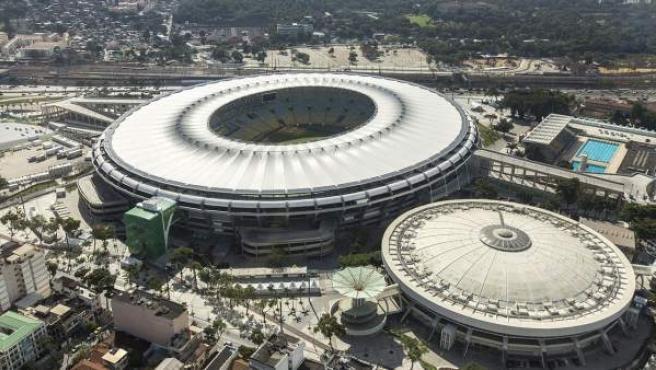 El Estádio Jornalista Mário Filho, más conocido como Maracaná, es un estadio de fútbol de la ciudad de Río de Janeiro, Brasil. Es el estadio más grande de Brasil y fue el más grande del mundo durante mucho tiempo.