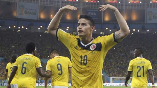 El colombiano James Rodríguez celebra uno de sus goles ante Uruguay.