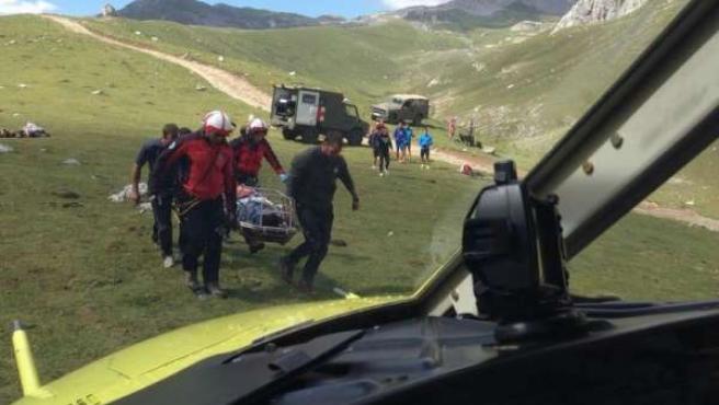 Rescate de un ciclista en Picos de Europa