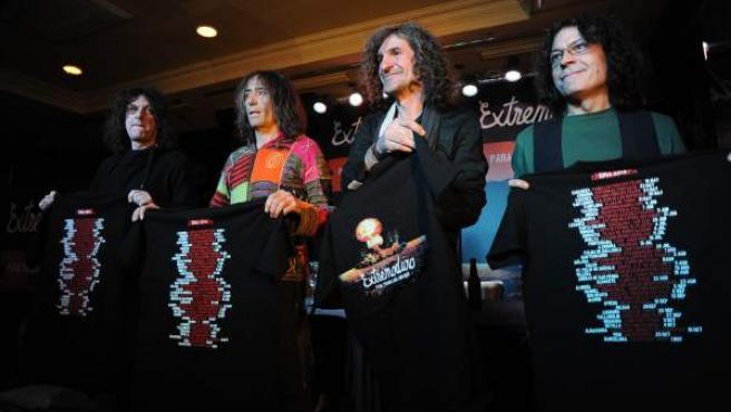 Los miembros de la banda Extremoduro, durante la rueda de prensa de presentación de su gira 2014.