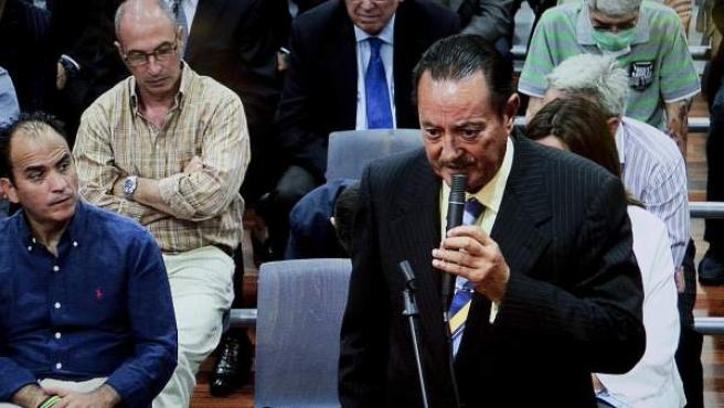Fotografía tomada del monitor de la sala de prensa de la Audiencia de Málaga del exalcalde de Marbella, Julián Muñoz, durante la última sesión del juicio del caso Malaya, contra la corrupción política y urbanística marbellí.