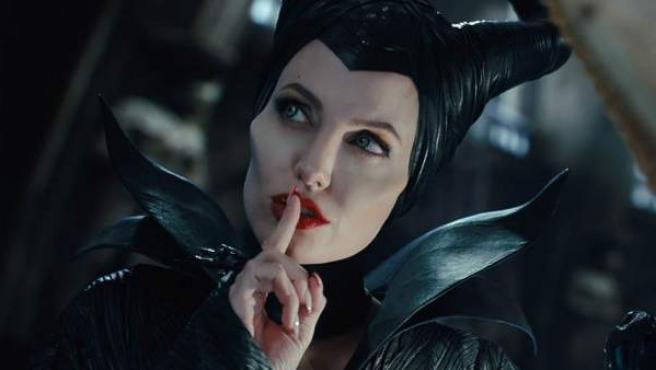 Angelina Jolie caracterizada como 'Maléfica'