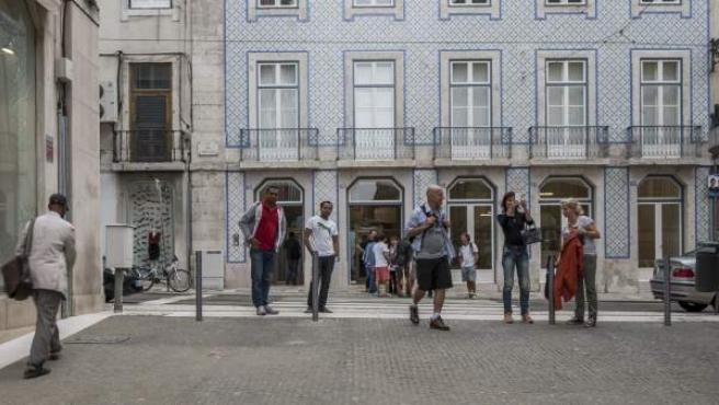 Fotografía facilitada por el FAD del camino peatonal bajo el castillo de San Jorge en Lisboa, del arquitecto João Pedro Falcão de Campos.