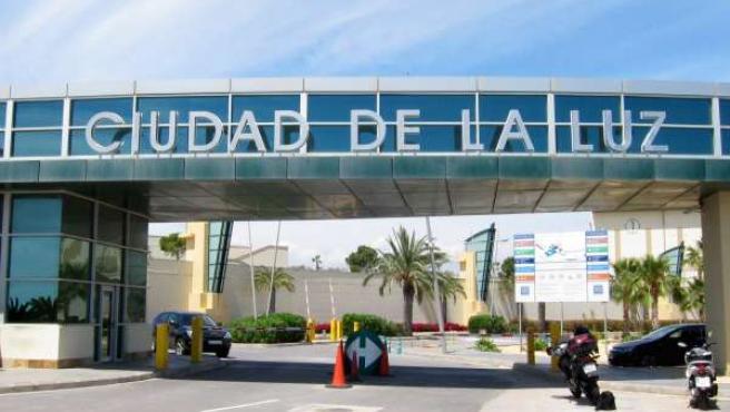 Entrada a los estudios cinematográficos de Ciudad de la Luz