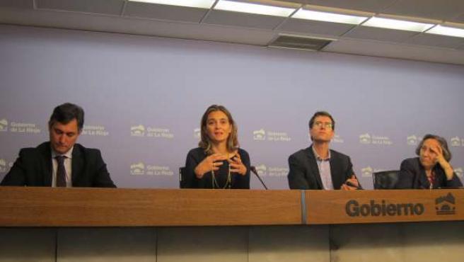 Silvia Lindner y Gonzalo Capellán presentan la muestra 'Del compromiso al Pop'