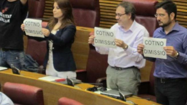 La oposición pide la dimisión de Cotino