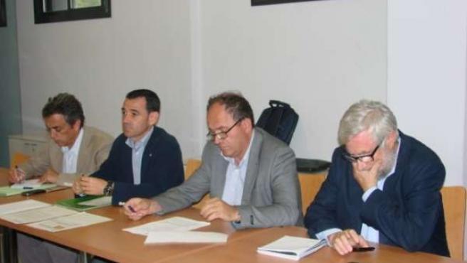 Reunión del dtor.Agricultura, M.Molins, y subdtor., J.Godia, con sector porcino