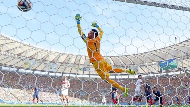 Perspectiva del gol de Mats Hummels tras la portería de Hugo Lloris.