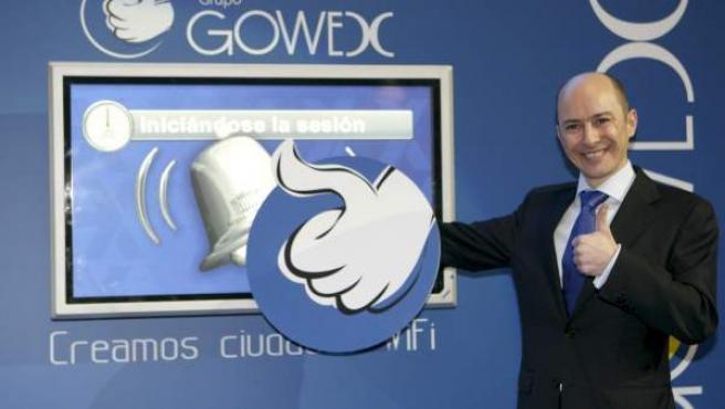 Fotografía de archivo (Madrid, 12/03/2010) del consejero delegado y fundador de Gowex, Jenaro García, durante el toque de campana que marcó el inicio de la cotización de la compañía en el Mercado Alternativo Bursátil (MAB).