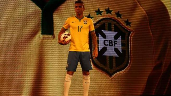 Imagen de la presentación del uniforme de Brasil para el Mundial de 2014.