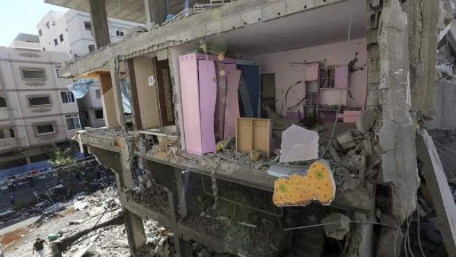 Estado en que quedó la casa de la familia Abu Lealla tras un bombardeo israelí registrado en el norte de la ciudad de Gaza.