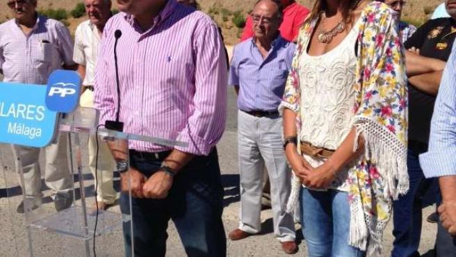 Bendodo y María Paz fernandez en obras hospital ronda