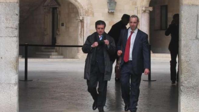 Jaume Matas y su abogado, Antonio Alberca, en la Audiencia