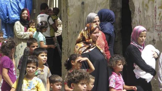 Miles de gazatíes han huido en busca de refugio a instalaciones de la agencia de la ONU para los refugiados palestinos (UNRWA).
