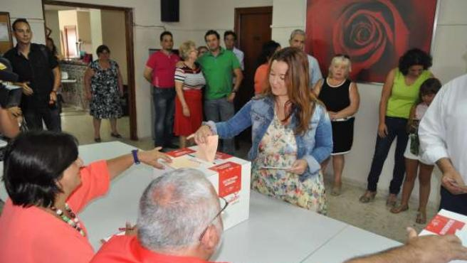Pérez votando