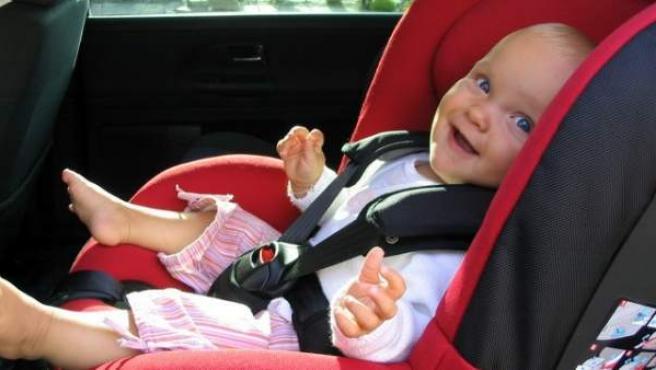 En todas las sillas calificadas como 'muy satisfactorias' el niño viaja de espaldas al sentido de la marcha.