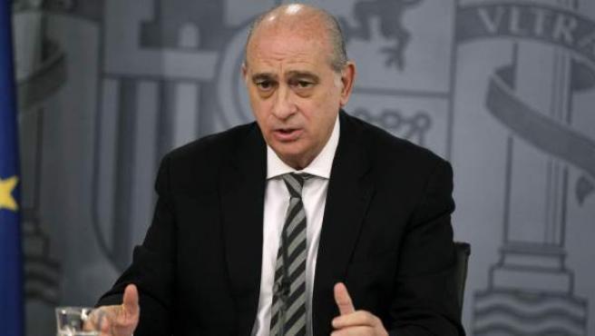 El ministro del Interior, Jorge Fernández Díaz, durante una rueda de prensa en Moncloa.