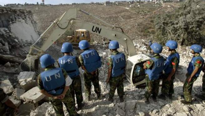 Varios 'cascos azules' de la ONU, durante una misión.