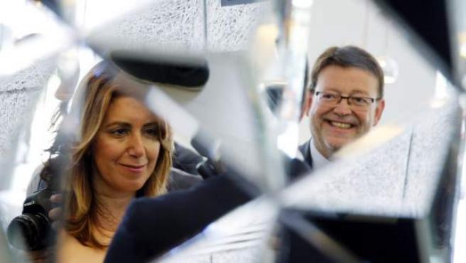 La presidenta de la Junta de Andalucía y el secretario general del PSPV-PSOE, Ximo Puig.