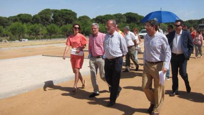 Visita del alcalde de Valladolid a las obras en el Pinar de Antequera