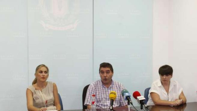 El alcalde de Estepa en rueda de prensa.