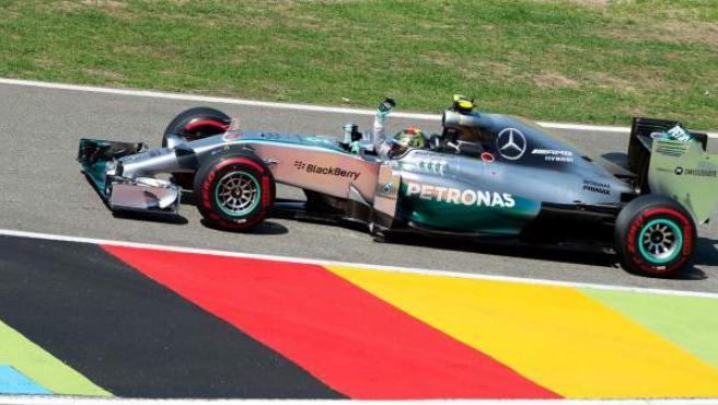 El piloto alemán celebra la pole en el GP de Alemania de Fórmula 1.