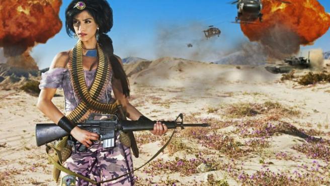 La princesa Jasmine como combatiente en una guerra de Oriente Medio.