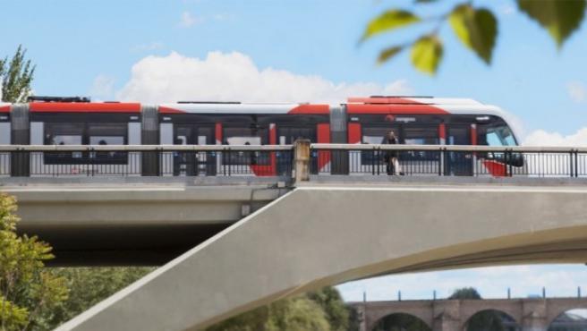 Imagen de archivo de un tren urbano de la ciudad de Zaragoza.