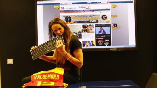 La exjugadora de baloncesto Amaya Valdemoro, en la redacción de 20minutos.