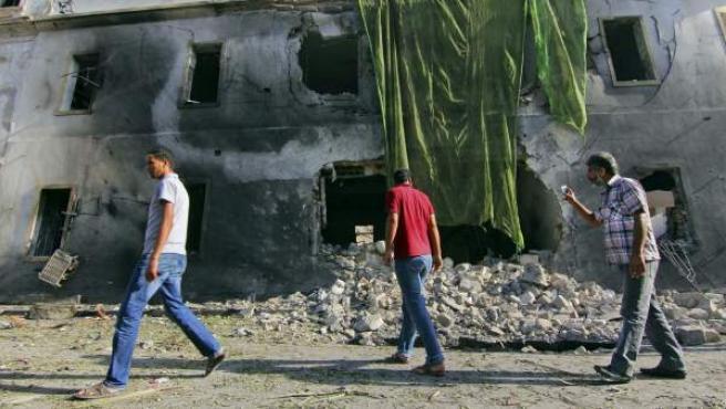 Imagen de un ataque en la ciudad libia de Bengasi.