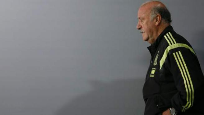 El seleccionador nacional de fútbol, Vicente del Bosque, antes de una rueda de prensa en Curitiba.