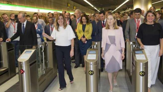 De la Torre, Susana Díaz, Ana Pastor y Elena Cortés en la inauguración del metro